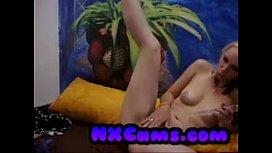German blonde fucks her juicy wel pussy on cam!