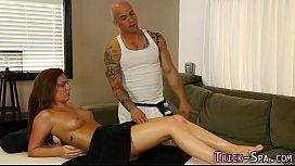 Fooled massaged babe jizz