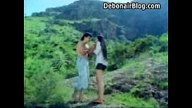 Mallu young beauty hugh boob grab in river.What is the movie actress name please xxx pic