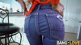 Evi Rei Bounces Her Ass On Hard Cock