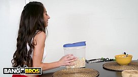 BANGBROS - Tony Rubino Eats Cameron Canela's Delicious Pussy For Breakfast