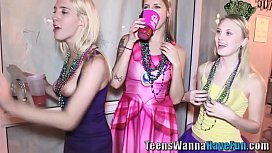 Party teens tug for spunk