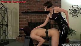 Mistress Vera makes slave twist to Femdom cruelty