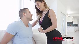 Stepson can&#039_t wait to go anal on hottest Milf with big tits Cherie Deville GP876