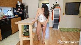 Yanks Catalina Rene'_s Hot Vibrating Action