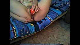 fingering her pussy on webcam