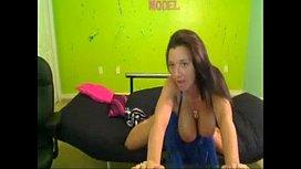 Christina Models bouncing huge boobs - www.teengirlcamsluts.com
