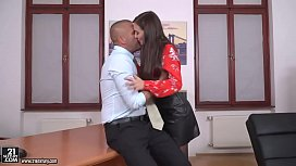 Fuck my boss in the office! - Heather Harris and Thomas Stone