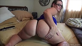 Chubby Wife Fucks Her Ass with Toys japantiny.com