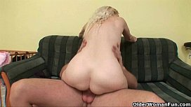 Blow your load on mom'_s face