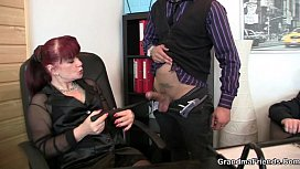 Two lucky studs bang business woman