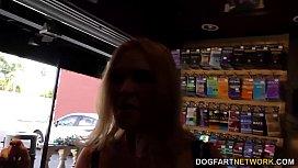 Krissy Lynn enjoys anal sex at gloryhole