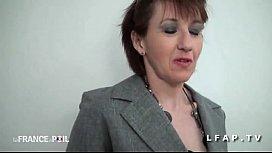 Cette mature est une femme d experience pour pomper se faire monter