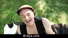Russian Macy Nata leads oldman on peaks of pleasures
