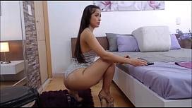 sarithabrown moviendo su grandioso y espectacular culo