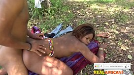 AFRICAN COUPLE BUSTED OUTDOORS IN PUBLIC PARK!!!