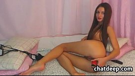 Hot Cam Chick Does Anal Alone