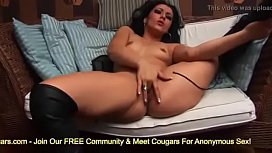 Samanta Takes Off Her Daisy Dukes Finger Bangs Her Pussy