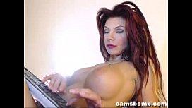 Hot camgirl live cam show
