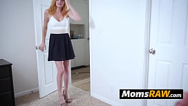 Milf Jessica makes stepdaughter engage in steamy lesbian sex