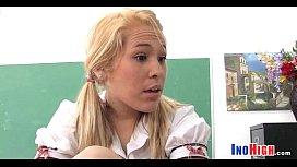 Teacher fucks Schoolgirl 14 7 81