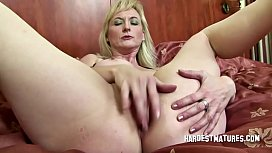 Mature slut Gwen loves her holes stuffed