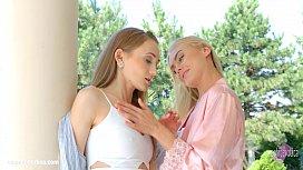 Nancy A and Kira Parvati in Wonderful wakeup lesbians by SapphiX