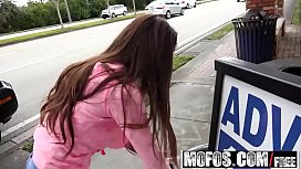 Mofos - Stranded Teens - Petite Latina Gives a Good Blowjob starring  Zaya Cassidy
