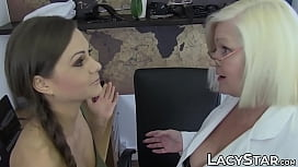 Doctor Lacey Starr examines 18yo with tongue and toys