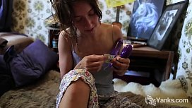 Yanks Hairy Honey Roe Plays With Her Toy
