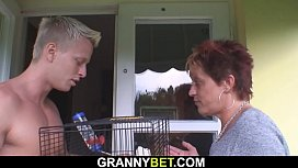 Hunky neighbour fucks her shaved old pussy