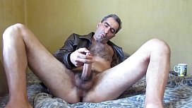 Sexy hairy gay otter shows off on cam - BestGayCams.xyz