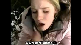 Teenieschlampe Im Winterwald Gefickt