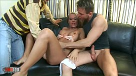 Vivien, Gets banged in a threesome with Choky Ice and George- Uhl