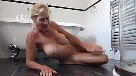Molly Pissing On The Bathroom Floor