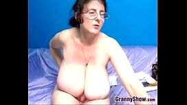 Nau Grandma With Big Tits Masturbates