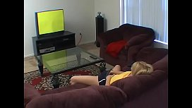 Masturbating in front of the tv - real orgasm - echt