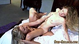 Lesbian amateurs tribbing