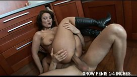 Anal Sex For Scorching Single Mommy And A Facial