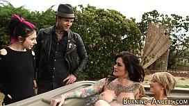 Tattooed babe sucks dick