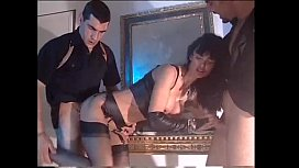 In a hot dream the Venere Bianca is banged by two ga ers