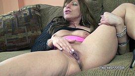 Horny MILF Brandi Minx plays with her mature twat