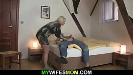 He fucks girlfriends hot mom from behind and gets busted
