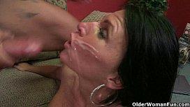 Cum craving milfs taking facials