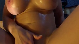 Fitness babe gets a pussy workout at Hardbodycams.com