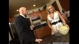 flower tucci and jo