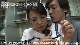 娘の彼氏に膣奥を突かれイキまくった母 高崎恵美