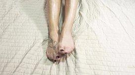 Lara De Santis - homemade footjob with cum on the feet