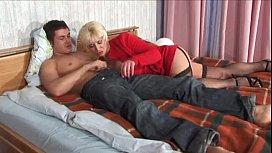 Huge hips women porn photo