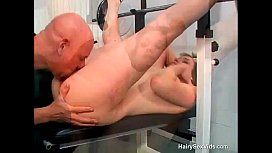 Hairy mamma comes to gym